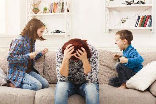 Los padres deben aprender a controlar la agresividad de sus hijo.