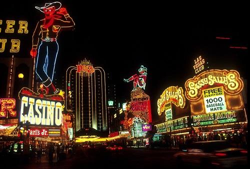 El Casino, la cara antigua de la ludopatía