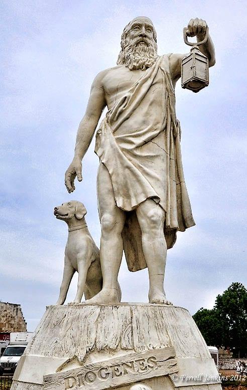 Estatua de Diógenes en Sinope
