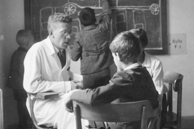 Asperger y sus pequeños profesores