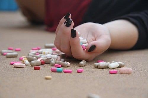 Depresión Suicidio. Sobredosis de medicametos