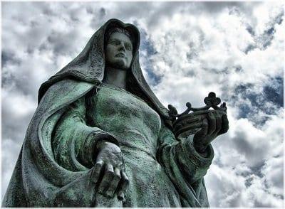 Estatua de Juana I de Castilla en Tordesillas