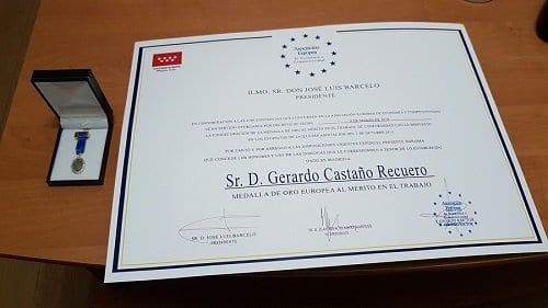 Diploma a Gerardo Castaño Recuero