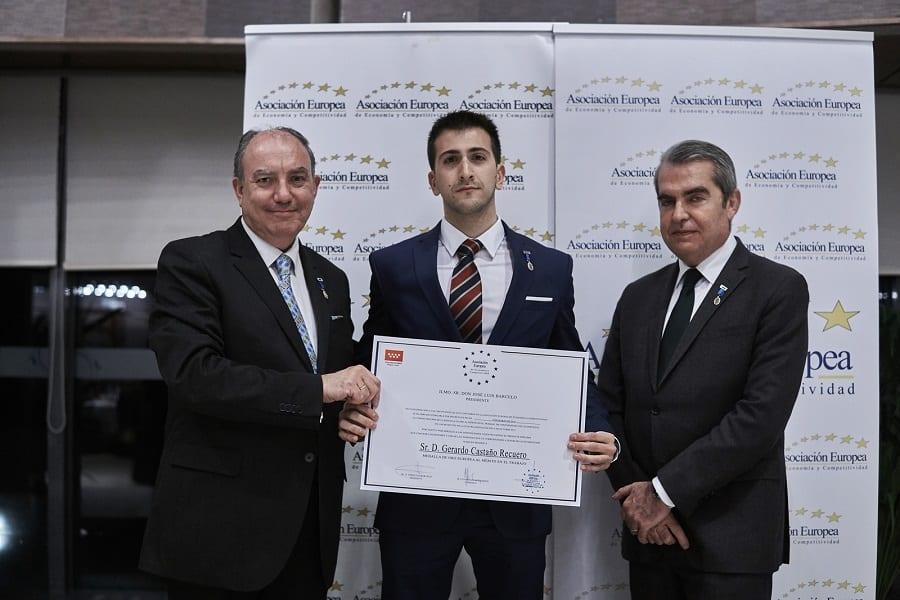 Medalla de Oro a Nuestro Psicólogo en Madrid