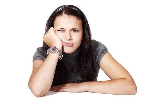 La angustia narcisista puede expresarse como aburrimiento
