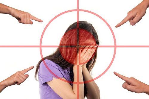 El narcisista tiene angustia por hacer el ridículo