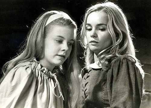 Elizabeth Parris y Abigail Williams