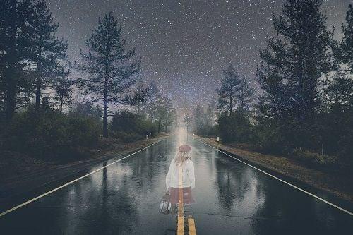 Leyendas urbanas - El fantasma de la chica en carretera