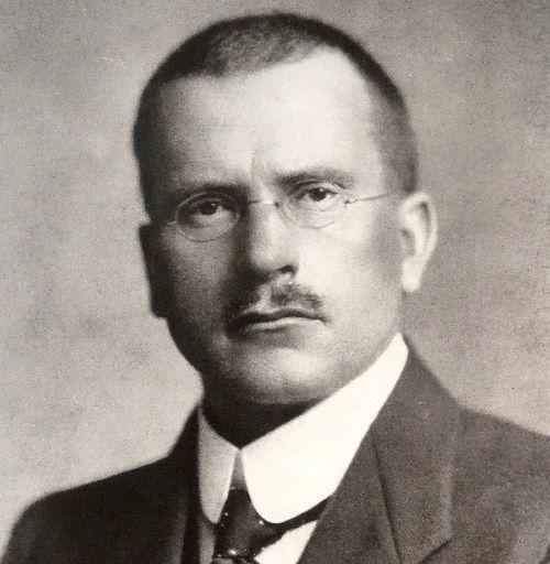 Carl Gustav Jung propuso a Freud el análisis didáctico