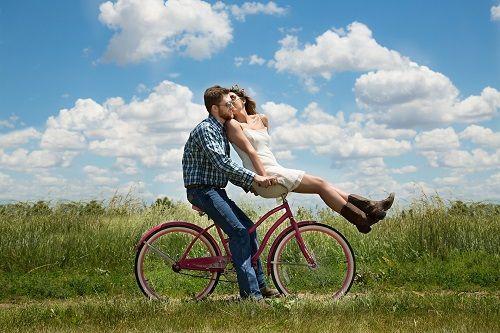 La felicidad del ser amado aumenta la propia felicidad.