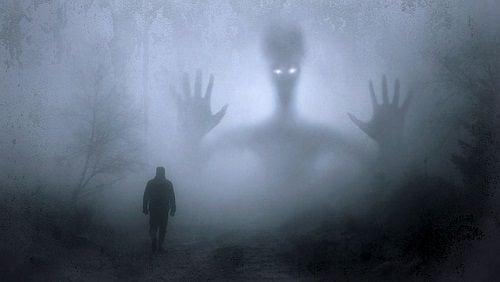 Mediante la proyección expulsamos nuestros fantasmas