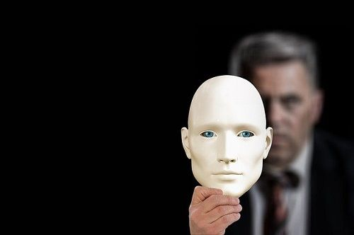 La mitomanía es la máscara de la realidad