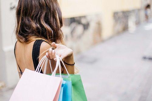 El ciclo hormonal produce diferencias al comprar en la mujer