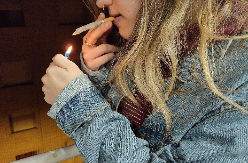 Consumo de cannabis en adolescentes: Riesgos y prevención.