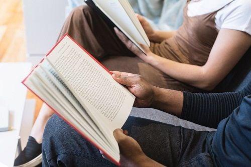 Compartir estudio con un compañero mejora la concentración