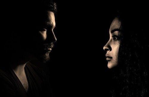 Frialdad y falta de comunicación en la pareja
