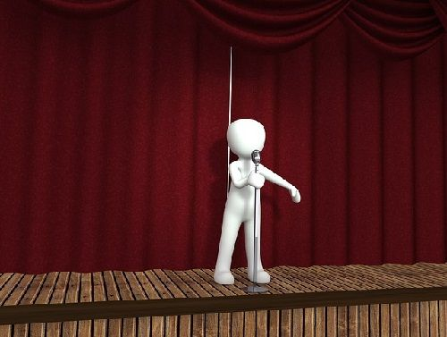 El protagonista actúa y representa su conflicto.