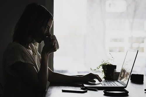 Sesiones de terapia online en la intimidad de tu casa