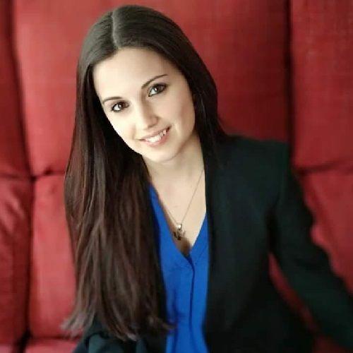 Sara Ramírez de Arellano, segunda del equipo de psicólogos